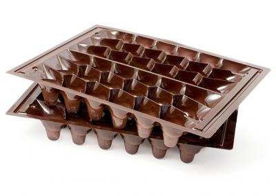 Vacuümvorm tray kunststof bruinkleurig als interieur voor chocolade bonbons